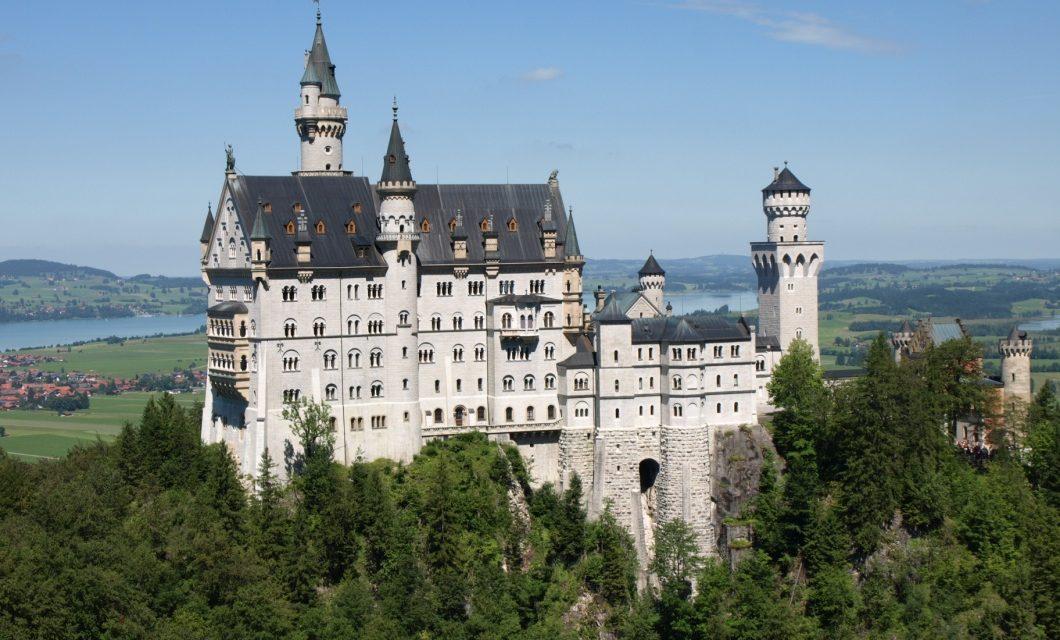 Neuschwanstein castle : เยอรมนี
